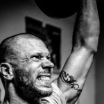 A Complete Guide: Best CrossFit Gloves 2017 + 10 Gloves Reviewed