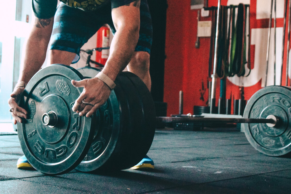 21 best crossfit workouts to do at home & essential equipment