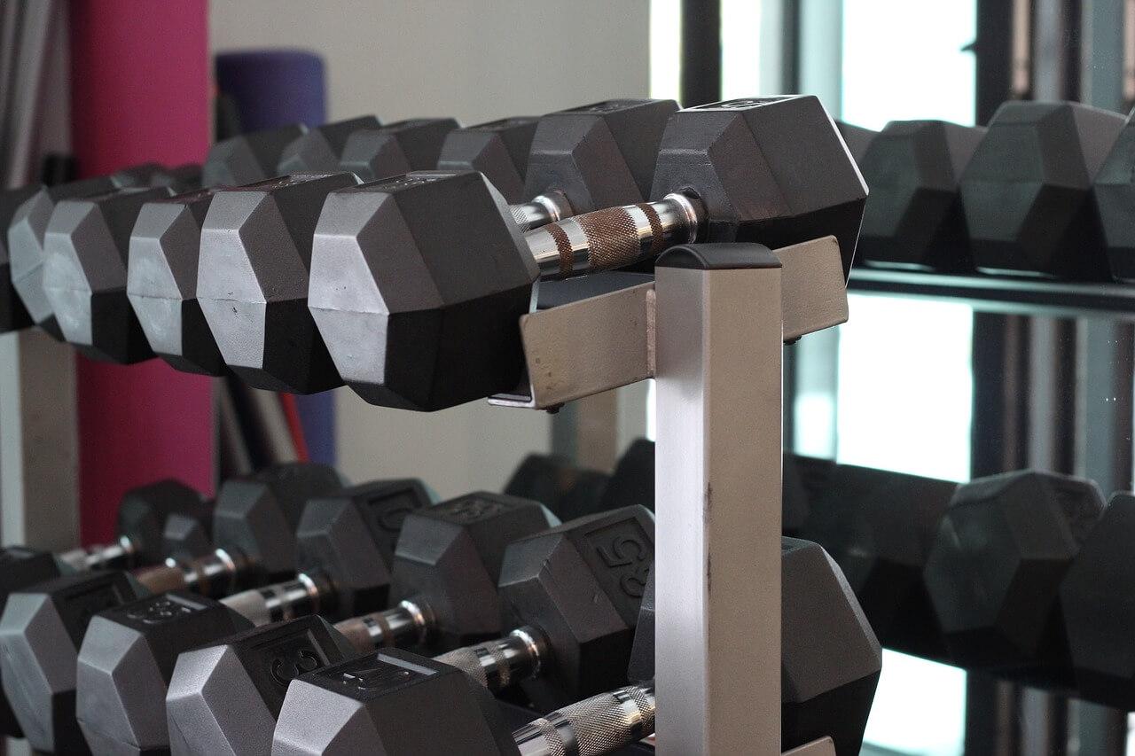 Diy weight rack beautiful space saving diy barbell rack bar