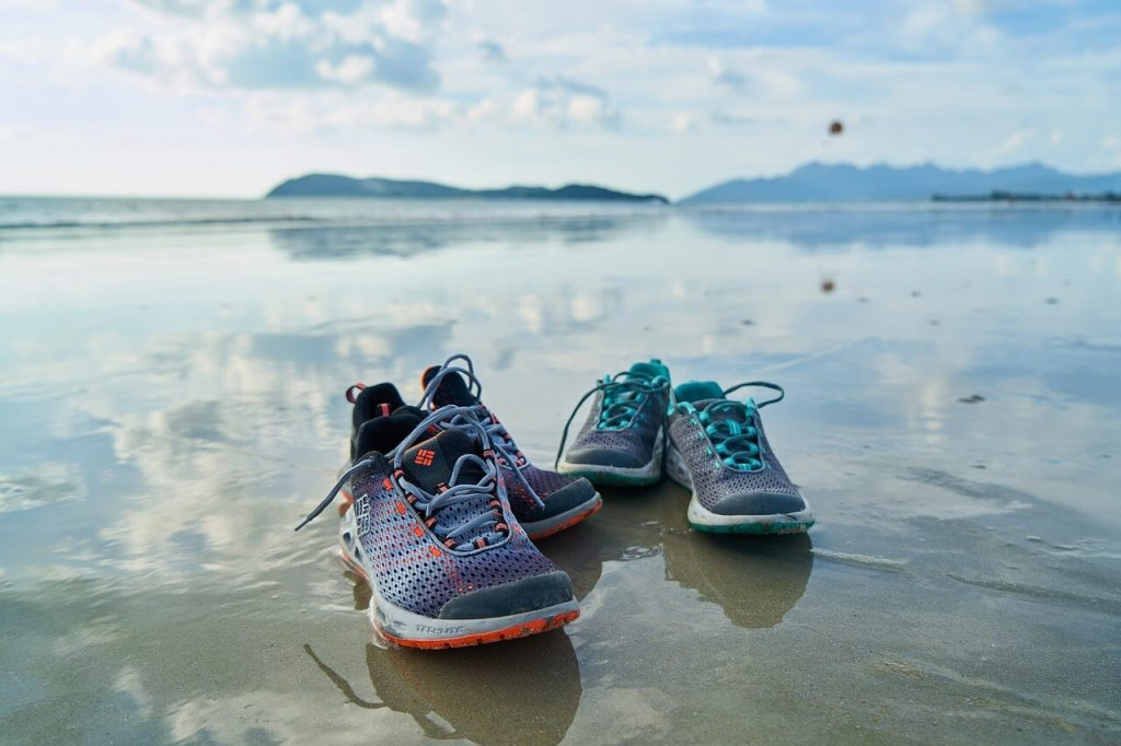 running shoes for narrow feet